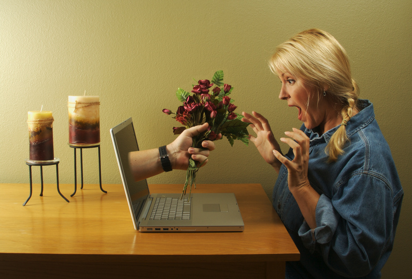 5 Signs to Look out Before Meeting Someone off a Dating Site